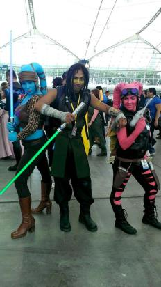 Twilek Jedi Aayla Secura Quinlan Vos cosplay Jedi smuggler bounty hunter blaster lightsaber star wars